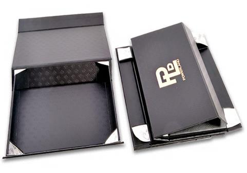 foldable boxes with logo